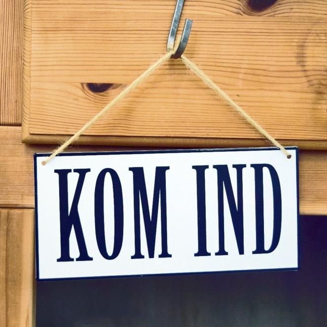 Skilt_Kom_ind_0309
